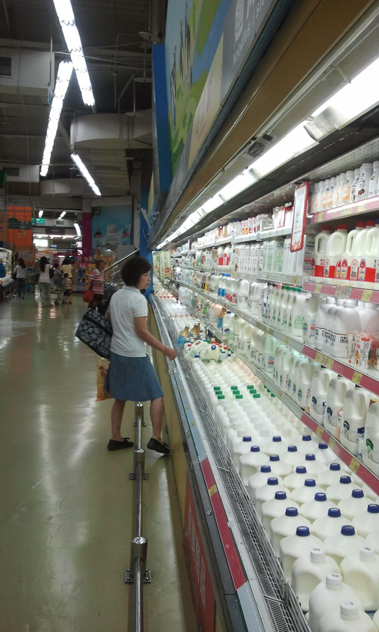 milk in a taiwanese supermarket